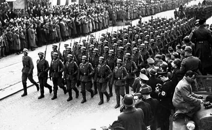 """Haló noviny (Чехия): Протекторатът Чехия и Моравия работи за """"успеха"""" на Хитлер"""