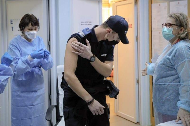 """40 % от сърбите искат да се ваксинират със """"Спутник V"""""""