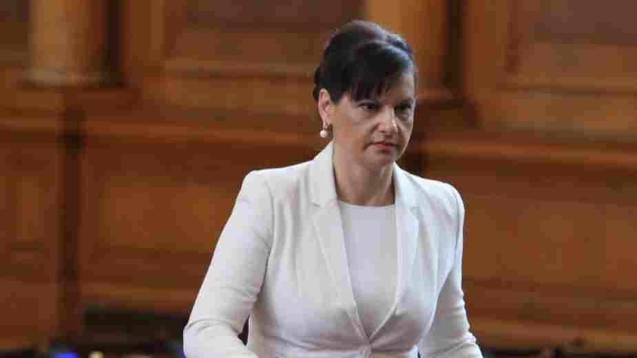Дариткова: Ако хората бяха послушали Радев, щяхме да имаме политическа криза, освен здравна