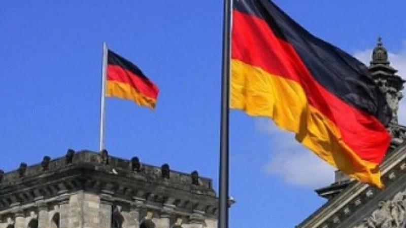"""Немски политик: """"Нека въведем наказателни мита върху американския газ, щом пречат на """"Северен поток 2"""""""