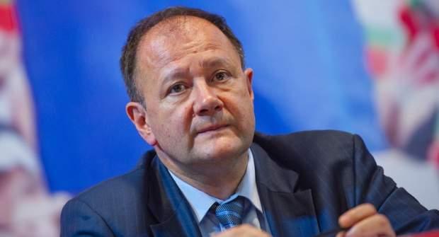 Михаил Миков: Нинова не предлага лява политика, която да замени неолибералния модел