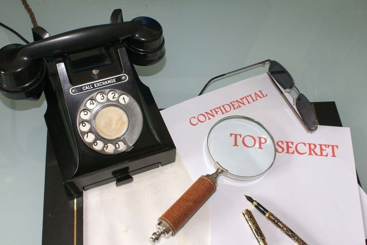 Колекцията от музея за шпионаж на КГБ в Ню Йорк бе разпродадена на търг в САЩ