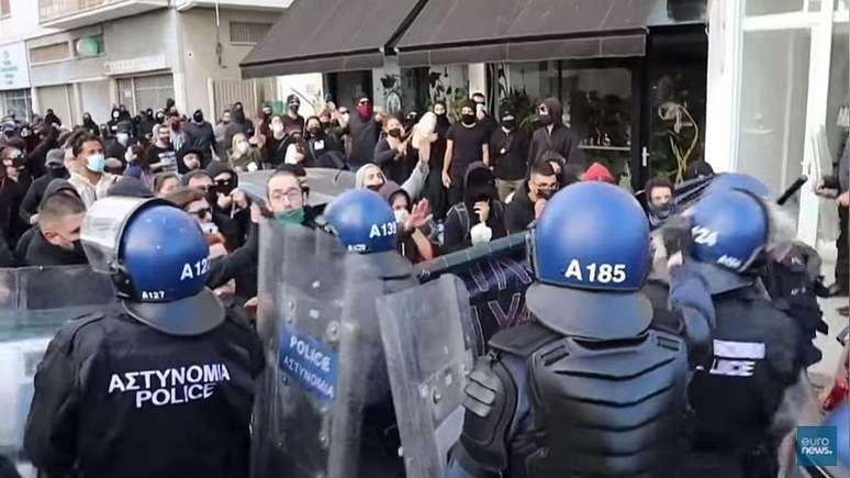 Euronews: Ожесточената карантина в Европа провокира нови протести