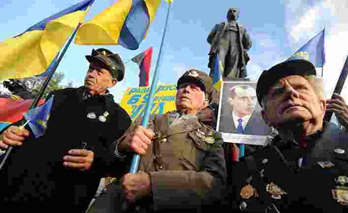 """""""Той никога няма да стане герой"""": Съдът премахна Степан Бандера от картата на Киев"""