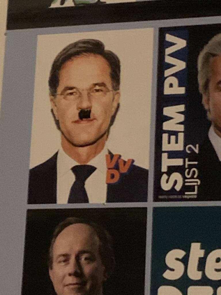 Марк Рюте цъфна с мустаци на Хитлер
