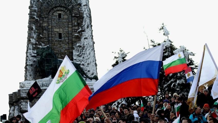 """Atlantico: """"България има изключителна близост с Русия, това трябва да се промени, но Кремъл не иска да слуша лекциите на ЕС"""""""