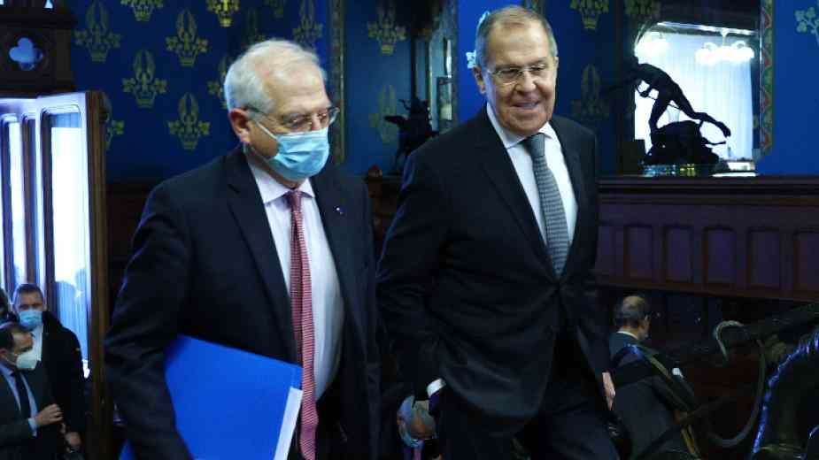 Русия недоумява: Защо Борел в Москва говори едно, а в Брюксел друго - да не би една друга държава да му наби канчето?!