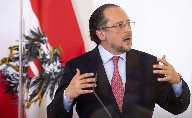 """Австрийски министър се застъпи за Русия: """"Не режете клона, върху който сте седнали"""""""