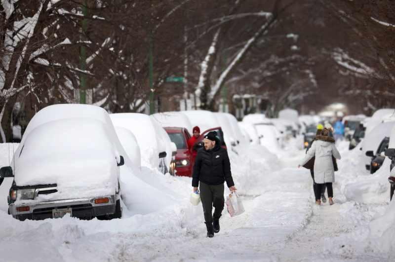 Полярни температури в САЩ, милиони без електричество, жертви (снимки)