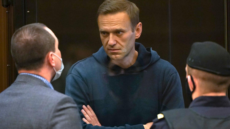 """Защо Западът измисли историята с """"отравянето"""" на Навални?"""