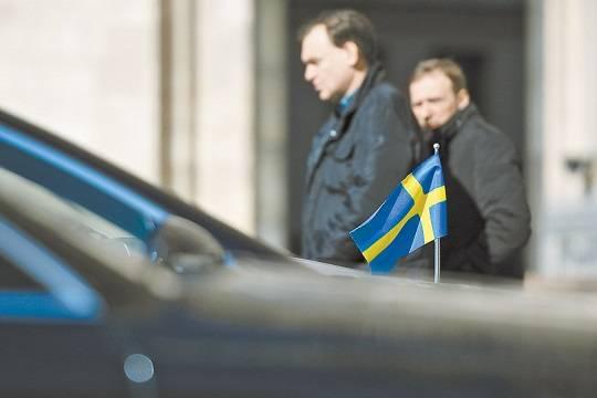 """Полски читатели: Трябваше нашите дипломати не да се занимават с крадеца Навални, а със закупуването на """"Спутник V"""""""