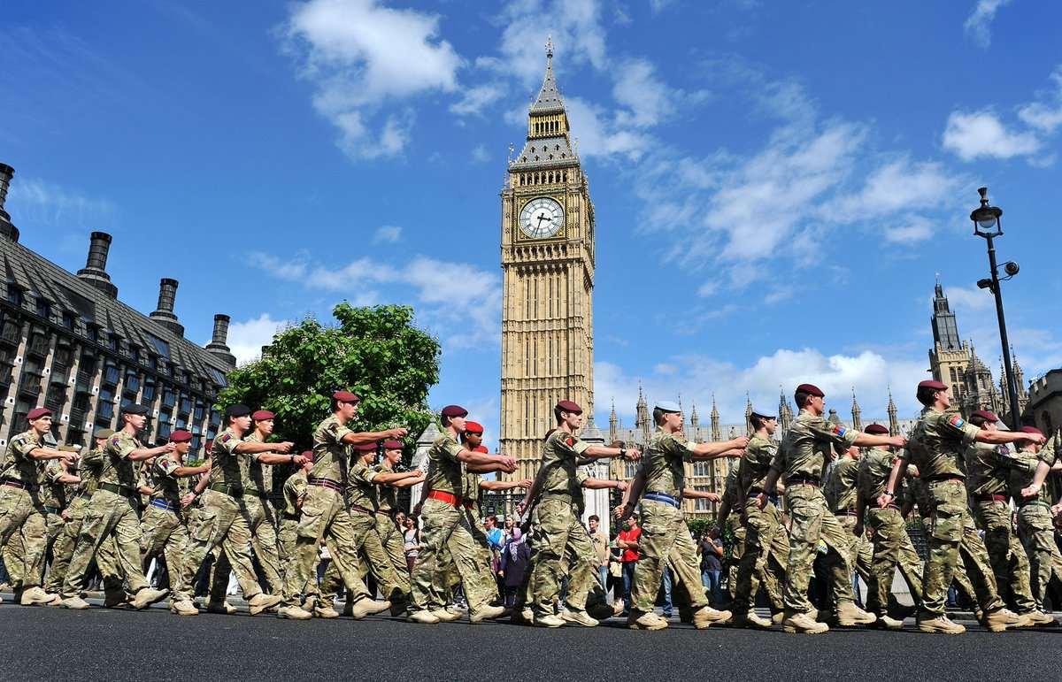 Британия в капан, няма пари за поддържане на бойната мощ