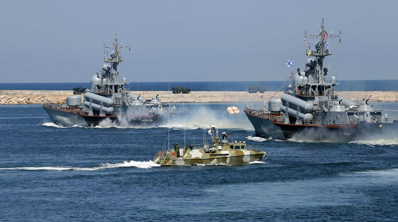 Руският флот следи корабите на ВМС на Испания и Гърция в Черно море