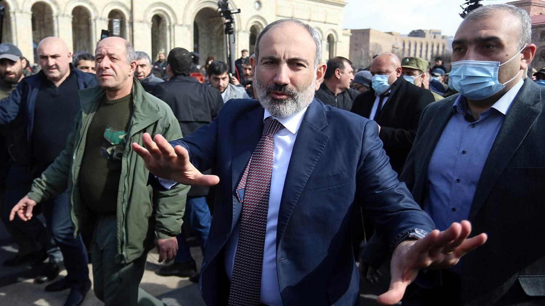 Пашинян призова началника на Генералния щаб да напусне поста доброволно