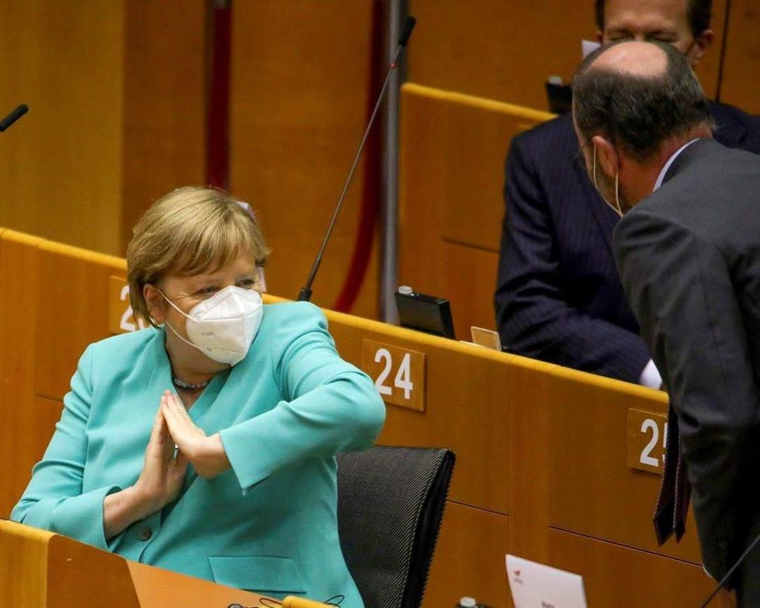 """Focus: Инфекционист диагностицира Меркел с """"кубински синдром"""""""