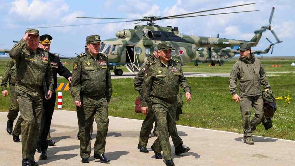 """""""Караул! Война!"""" Шойгу направи неочакван ход в Крим"""