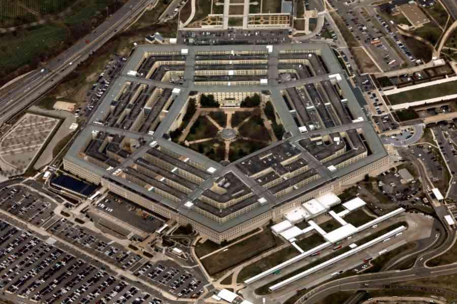 """Пентагонът отрича участието си в атаката срещу иранския кораб """"Saviz"""""""