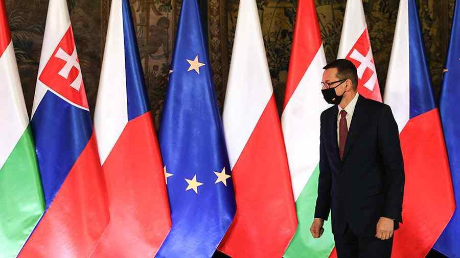 Полша свика среща на Вишеградската група за обсъждане на Русия