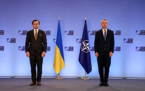 Украйна: Киев не планира никакви настъпателни действия в Донбас