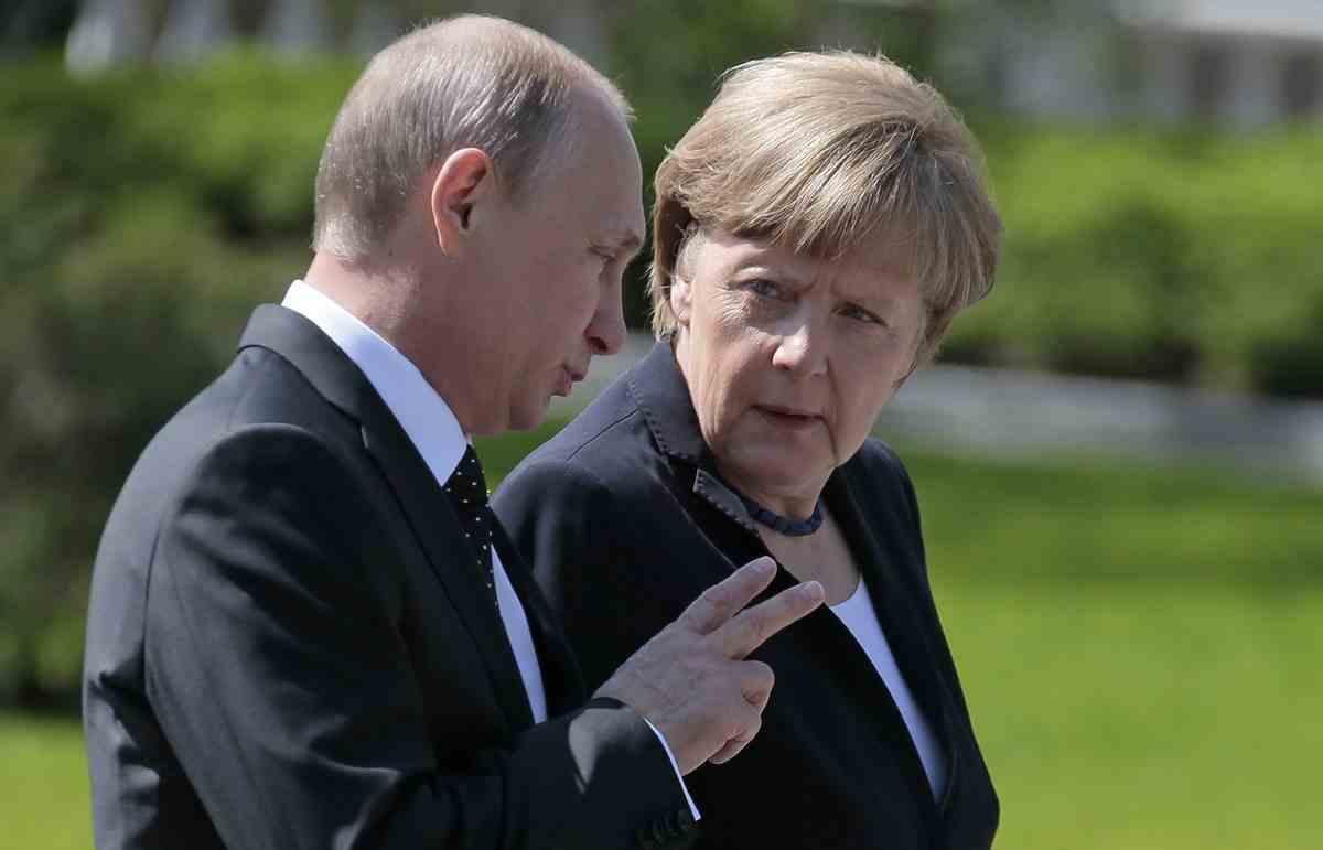 Меркел: Диалогът с Русия трябва да продължи