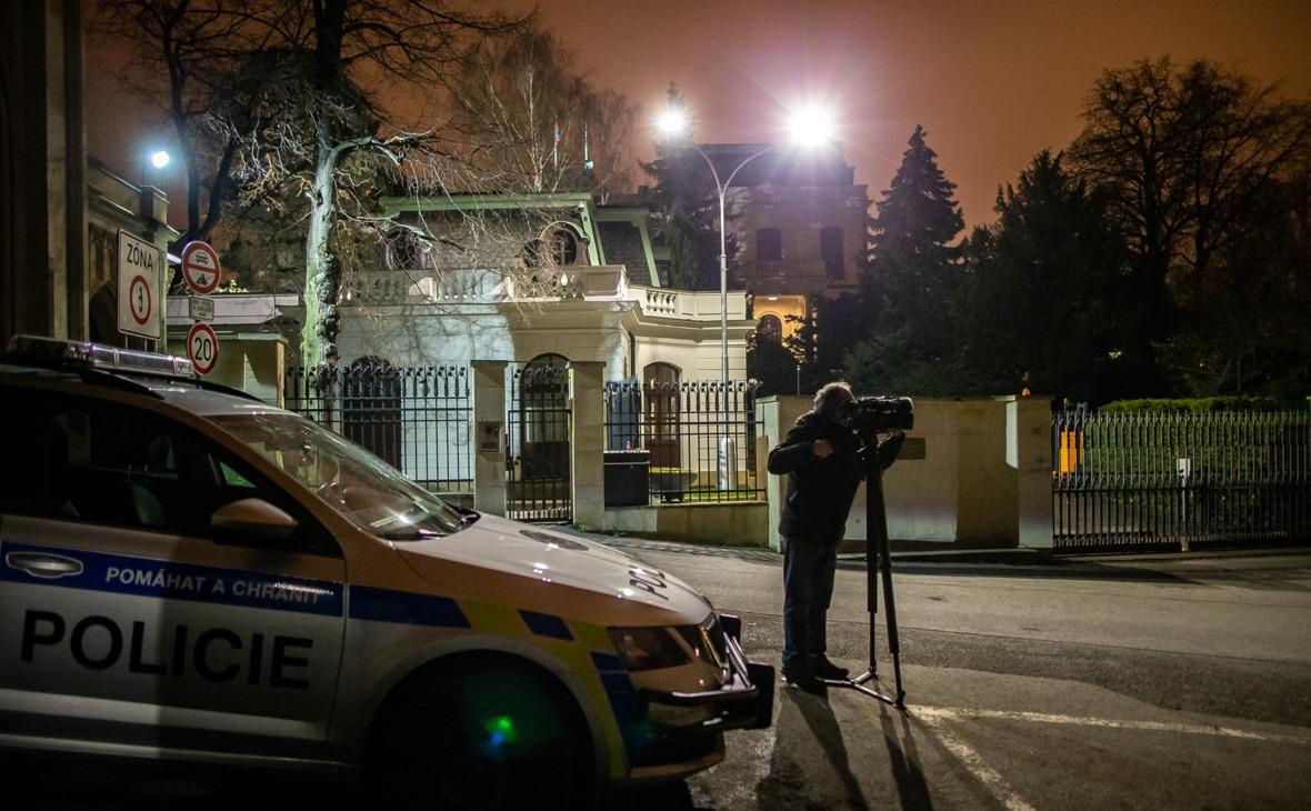 Кремъл коментира експулсирането на руски дипломати от Чехия
