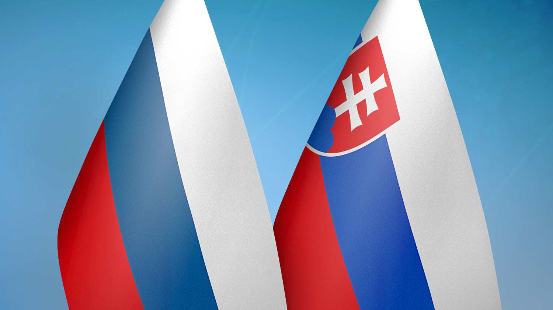 Русия обяви трима служители на словашкото посолство за персона нон грата.
