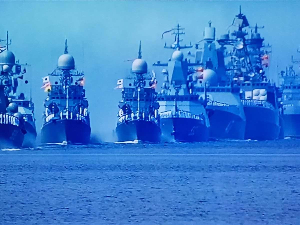 """Екс-командващ Черноморския флот на Русия: """"Не просто проследяваме американците, те са на прицел"""""""