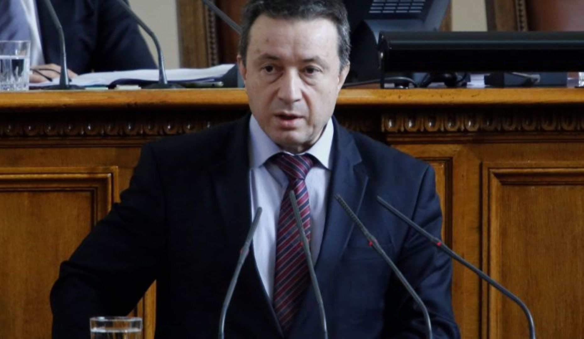 Янаки Стоилов: Странно е, че Нинова дава подкрепа на Слави Трифонов