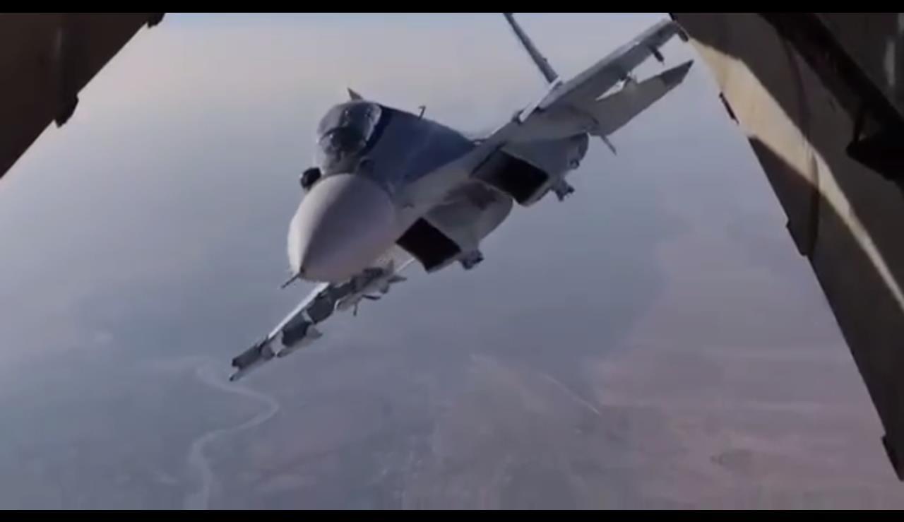 """Су-35 на Русия """"кошмари"""" 45 минути: US пилотите крещят в ефир"""