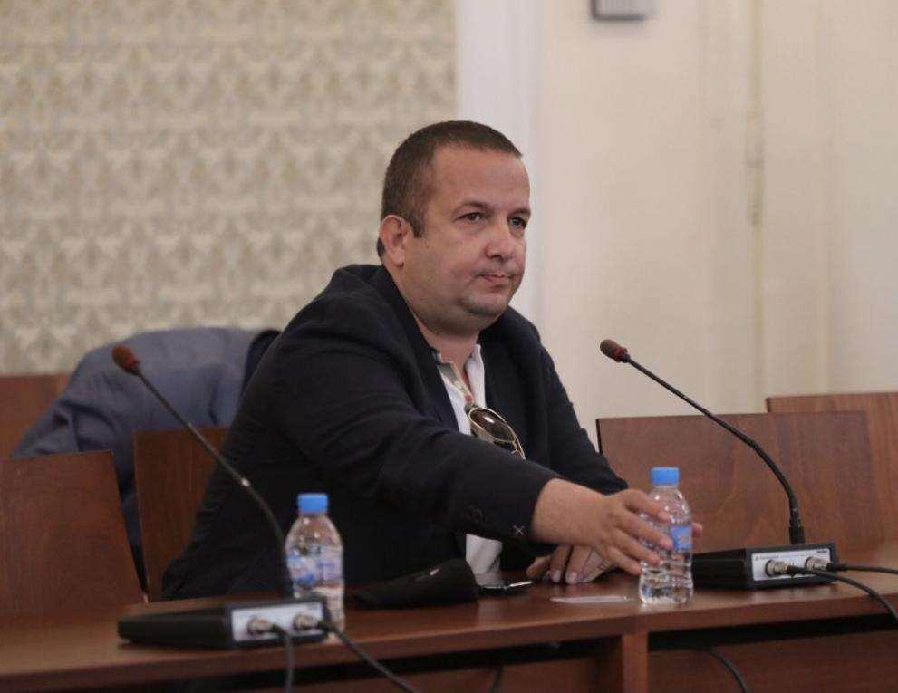 """""""Градус"""": Твърденият на Илчовски са """"лъжливи или подвеждащи"""", сигнал до КФН"""