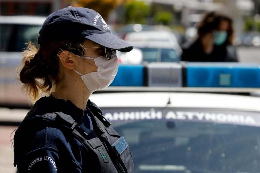 В Гърция 300 евро глоба за всеки пътник за липса на маски в автомобилите