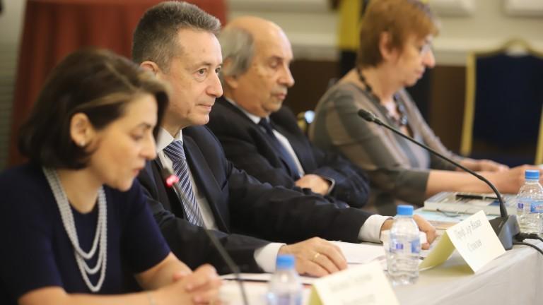Янаки Стоилов: Има опасност да попаднем в период на конституционна инфлация