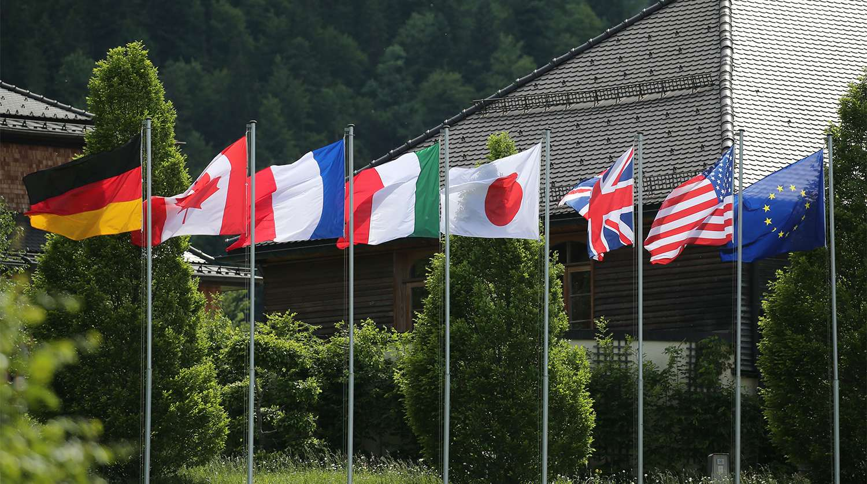 Външните министри от G7 час и половина обсъждаха Русия