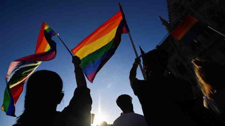 Guardian: Унгария прие закон, забраняващ гей пропагандата сред непълнолетни