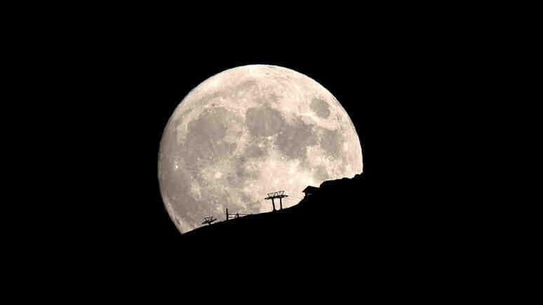 Verge: Москва и Пекин изпращат заедно космонавти на Луната