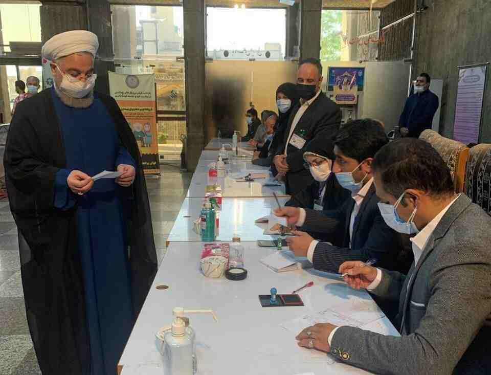 Иранците избират нов президент