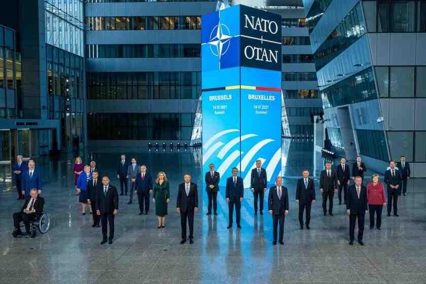Evrensel: НАТО вече има двама врагове - Русия и Китай