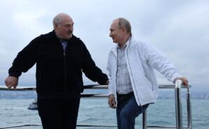 Лукашенко: Минск обмисля възможността за отваряне на полети до Крим