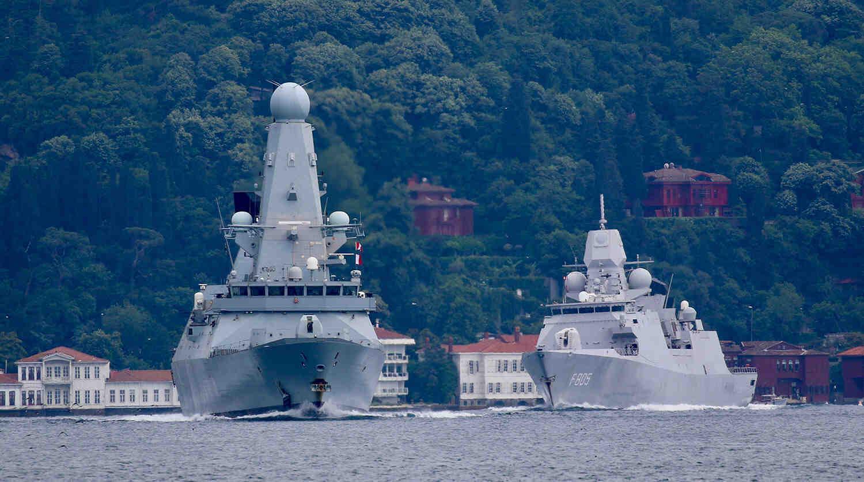 Руски адмирал оцени предупредителната стрелба по британския миноносец