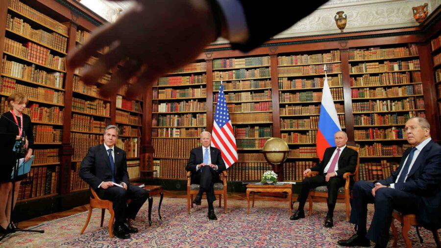 """""""На срещата с Путин Байдън искаше да демонстрира превъзходството на Запада, но не успя"""""""