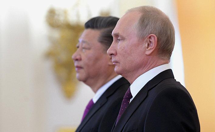 """""""Танцът"""" между Русия и Китай все повече тревожи САЩ"""