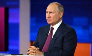 Владимир Путин обясни защо няма смисъл да се възражда СССР