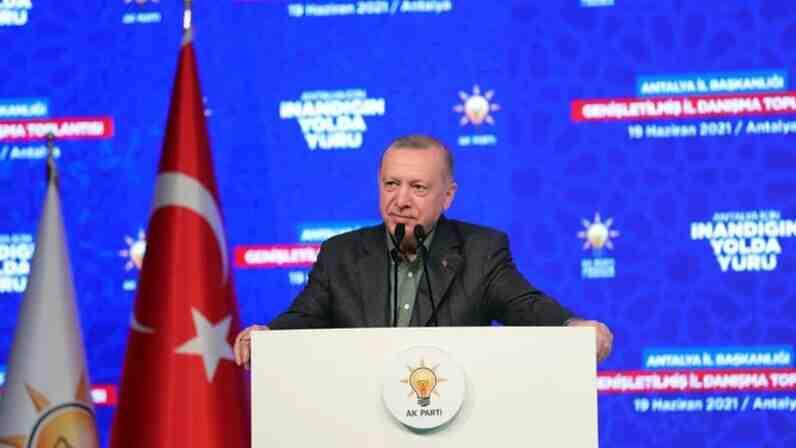 Ердоган отмени вечерния полицейски час