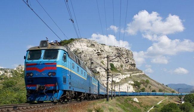 ДНР пуска директен пътнически влак до Крим