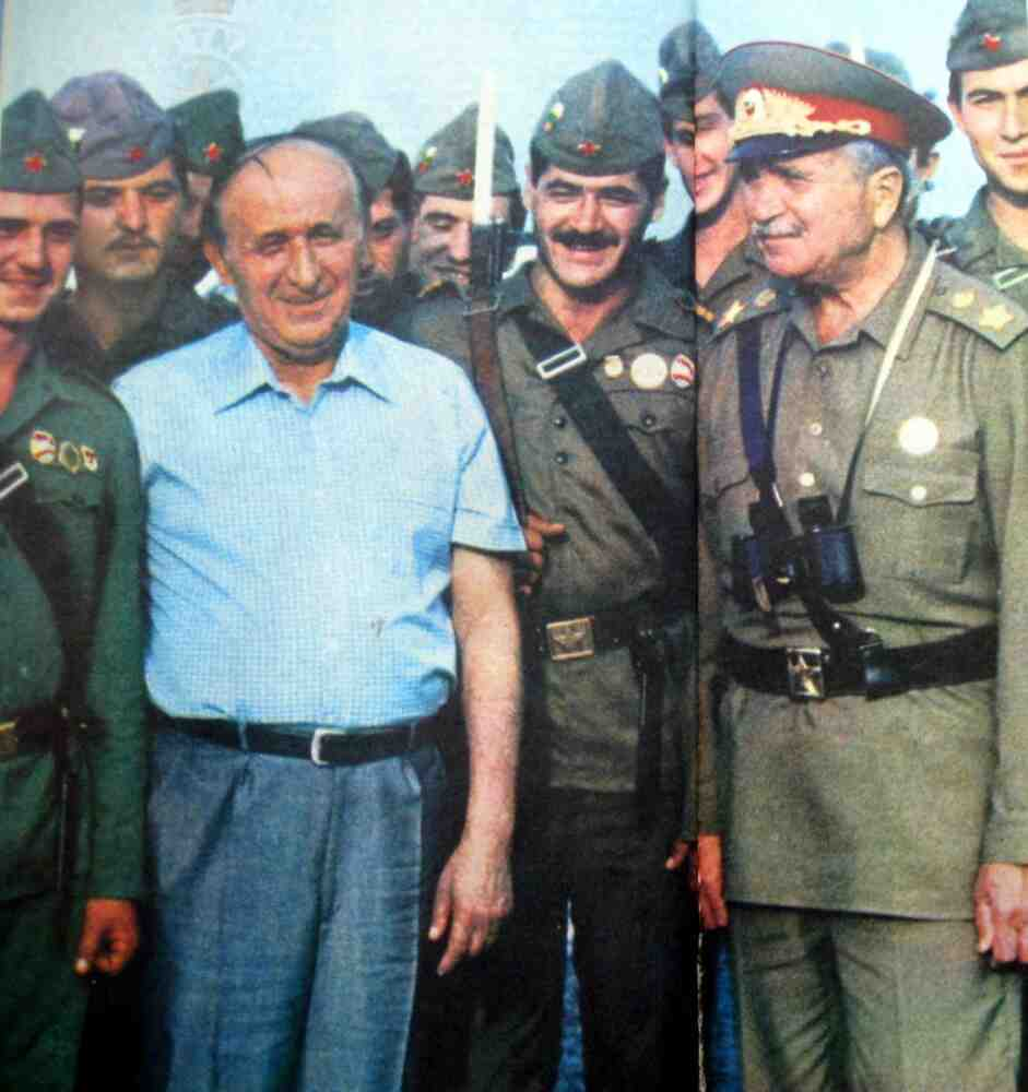 След демокрацията Българската народна армия, най-силната армия на Балканите, бе унищожена