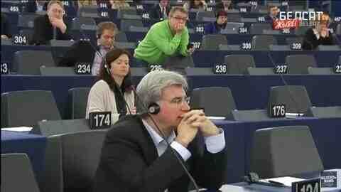 Белсат: Санкциите срещу Минск принуждават членовете на ЕС да се настъпят по гърлото