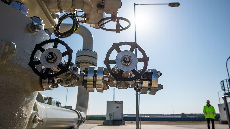 Държавната дума на Русия: Пускът на газа по първия клон на Северен поток 2 ще стане през 2021 г.