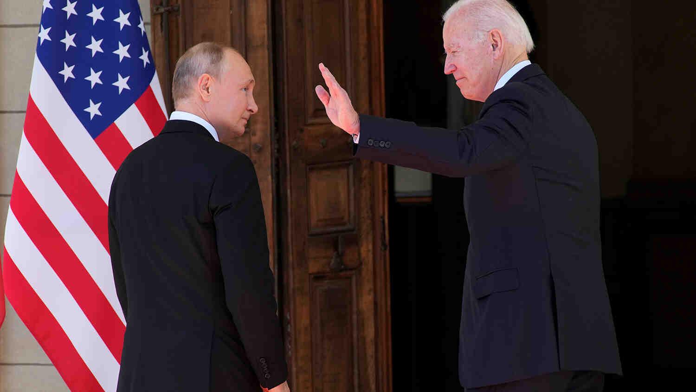 Байдън посъветвал Путин за Китай