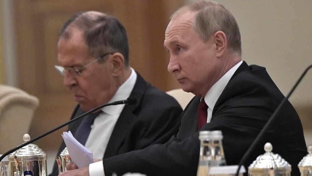 """Най-новият анекдот за Путин и Лавров: """"Ноти ли ще връчваме?"""""""