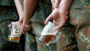 Виновните са намерени: в скандалния случай на алкохолизъм на военни на НАТО е виновна...Русия